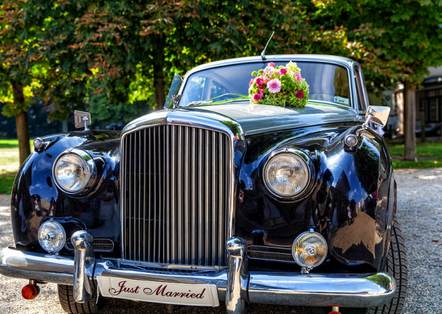 How to Choose a Wedding Car